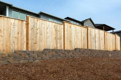 Cerco de madeira do quintal home novo Fotografia de Stock Royalty Free