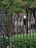 Cerco quieto escuro bonito do cemitério Foto de Stock Royalty Free