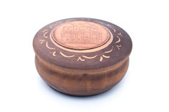 Cercueil brun en bois Photographie stock libre de droits