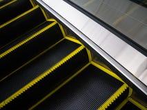 Cerdas de escova da escada rolante para o conceito do acidente do perigo Fotografia de Stock Royalty Free