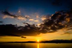 Cerdeña, puesta del sol en Cagliari Imagen de archivo libre de regalías