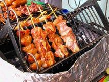 Cerdo asado a la parrilla comida de la calle del favorito Imagen de archivo libre de regalías