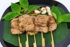 Cerdo asado a la parrilla en la placa Alimento tailandés - fritada #6 del Stir Imágenes de archivo libres de regalías