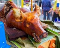 Cerdo cocinado barbacoa en restaurante público fotografía de archivo