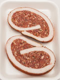 Cerdo crudo Meat Loaf con las especias foto de archivo libre de regalías
