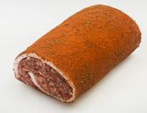 Cerdo crudo Meat Loaf con las especias en blanco imágenes de archivo libres de regalías