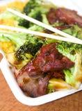 Cerdo de carne asada chino con bróculi Fotos de archivo libres de regalías