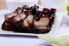 Cerdo del Bbq en plato imagen de archivo