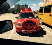 Cerdo divertido del coche imagen de archivo