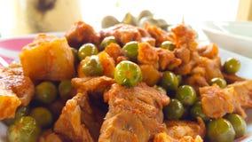 Cerdo frito con curry rojo Imagen de archivo libre de regalías