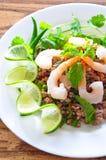 Cerdo y ensalada picantes tailandeses del shtimp Fotos de archivo libres de regalías