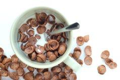 Cereais do chocolate em uma bacia Imagem de Stock Royalty Free