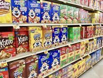 Free Cereal Boxes On A Store Shelf Stock Photo - 155865520
