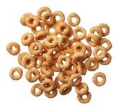 Cereal de Cheerios isolado no branco Fotos de Stock