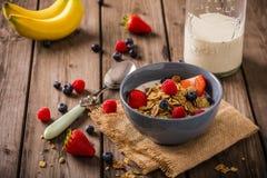 Cereal de desayuno rústico foto de archivo