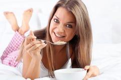 Cereal de pequeno almoço do Granola Fotos de Stock Royalty Free