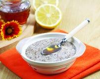 Cereal del lino con la miel y el limón Imagen de archivo