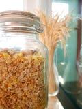 Cereal mezclado en una botella Fotografía de archivo libre de regalías