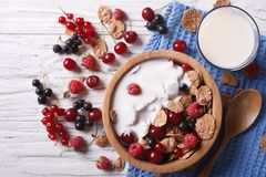 Cereal with milk and fresh berries horizontal top view Stock Photos