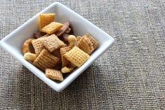 Cereal na bacia quadrada Imagens de Stock Royalty Free