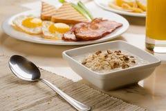Cereal, ovos e brindes Fotografia de Stock