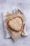 Cereal seco em uma cesta imagem de stock