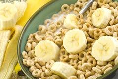 Cereal y plátanos tostados de la avena Imagenes de archivo