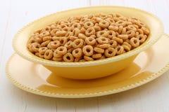 Cereale delizioso e sano dei dadi del miele Fotografia Stock Libera da Diritti
