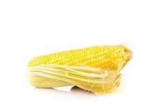 Cereale giallo isolato sul bianco immagini stock