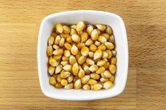 Cereale schioccante crudo fotografia stock libera da diritti