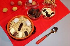 Cereales con el chocolate y la fruta Imagenes de archivo
