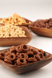 Cereales del chocolate y de la miel Foto de archivo