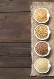 Cereales en frontera de los cuencos Imagen de archivo