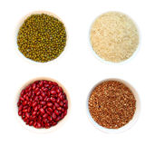 Cereales en tazas foto de archivo libre de regalías
