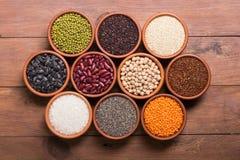 Cereali e fagioli in ciotola Fotografie Stock