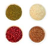 Cereali in tazze fotografia stock libera da diritti