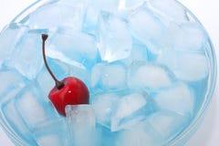 Cereja no gelo Fotos de Stock