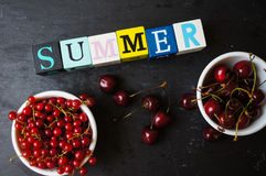 Cerejas doces vermelhas Fotografia de Stock Royalty Free