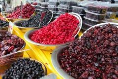Cerejas e Forest Fruits ácidos tradicionalmente secados e processados das ameixas Imagem de Stock