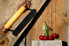 Cerejas maduras vermelhas imagens de stock royalty free