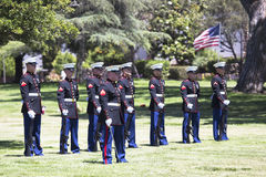 Ceremonia conmemorativa para el soldado caido de los E.E.U.U., PFC Zach Suarez, misión del honor en la carretera 23, impulsión a  Foto de archivo
