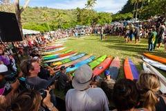 Ceremonia de inauguración hawaiana tradicional de Eddie Aikau Imagenes de archivo