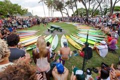 Ceremonia de inauguración hawaiana tradicional de Eddie Aikau Fotos de archivo libres de regalías