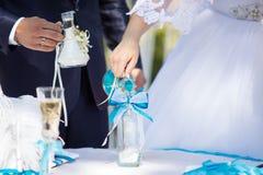 Ceremonia de la arena en la boda Foto de archivo libre de regalías