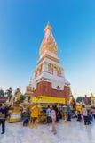 Ceremonia de la gente para adorar el hermoso en Wat Phra Thatphanom Imagen de archivo