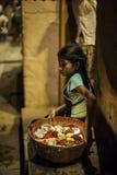 Ceremonia de Puja del río de Ganges, Varanasi la India Fotos de archivo libres de regalías