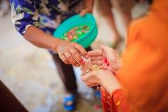 Ceremonia de Songkran imagenes de archivo