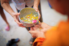 Ceremonia de Songkran foto de archivo