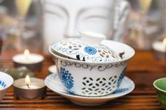 Ceremonia de té china con las velas Foto de archivo