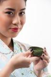 Ceremonia de té conducida por la mujer asiática fotos de archivo